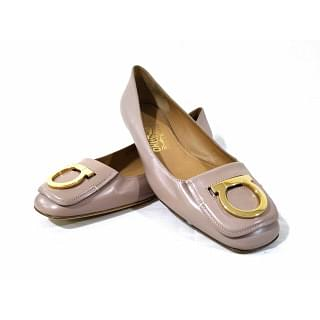 Salvatore Ferragamo Distinta Gancini Shoes