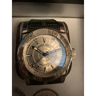 Roger Dubuis Easy Diver NON CHRONO Champagne Dial