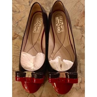 Salvatore Ferragamo Varina Two Tone Leather Bow Ballet Flats