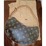 Louis Vuitton Monogram canvas Croissant PM | Luxepolis.com